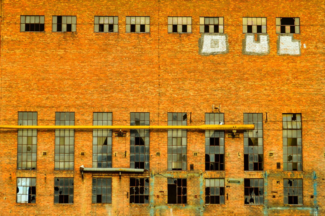 Brick Building Architecture Architectural Feature Architectural Detail Building Exterior Façade Built Structure Wall - Building Feature Residential Building Brick Wall City Urban Cityexplorer Urban Photography Bad Condition Decay Broken Window Old Factory