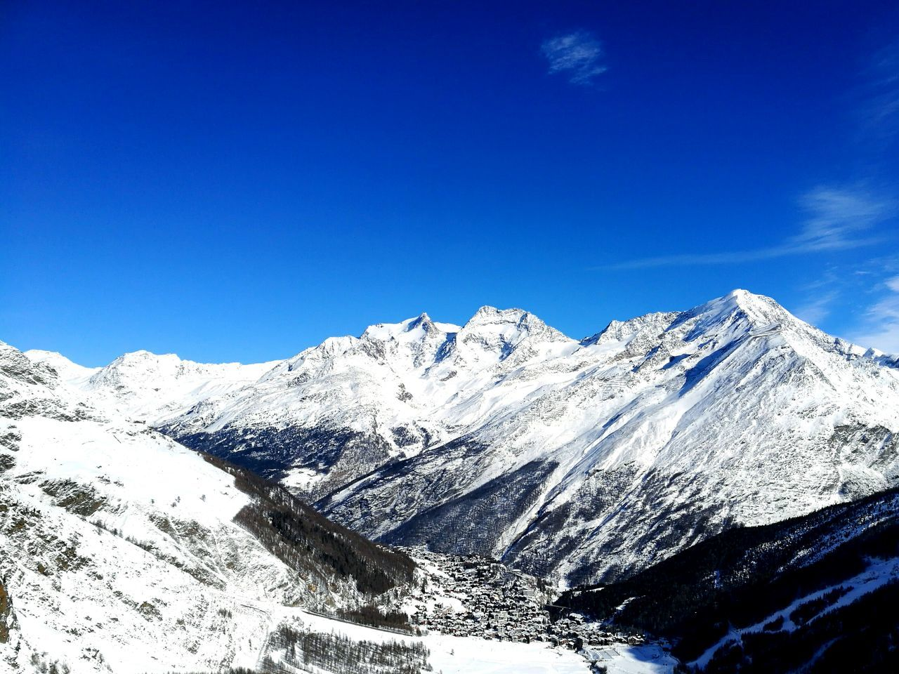 Snow Mountain Snowcapped Mountain Landscape Blue Mountain Range Winter Scenics Clear Sky Beauty In Nature Outdoors Sky Day Mountain Peak Cold Temperature Nature No People Pictureoftheday 3XSPUnity Beauty In Nature Winter Snowboard Saasfee HuaweiP9 Follow4follow