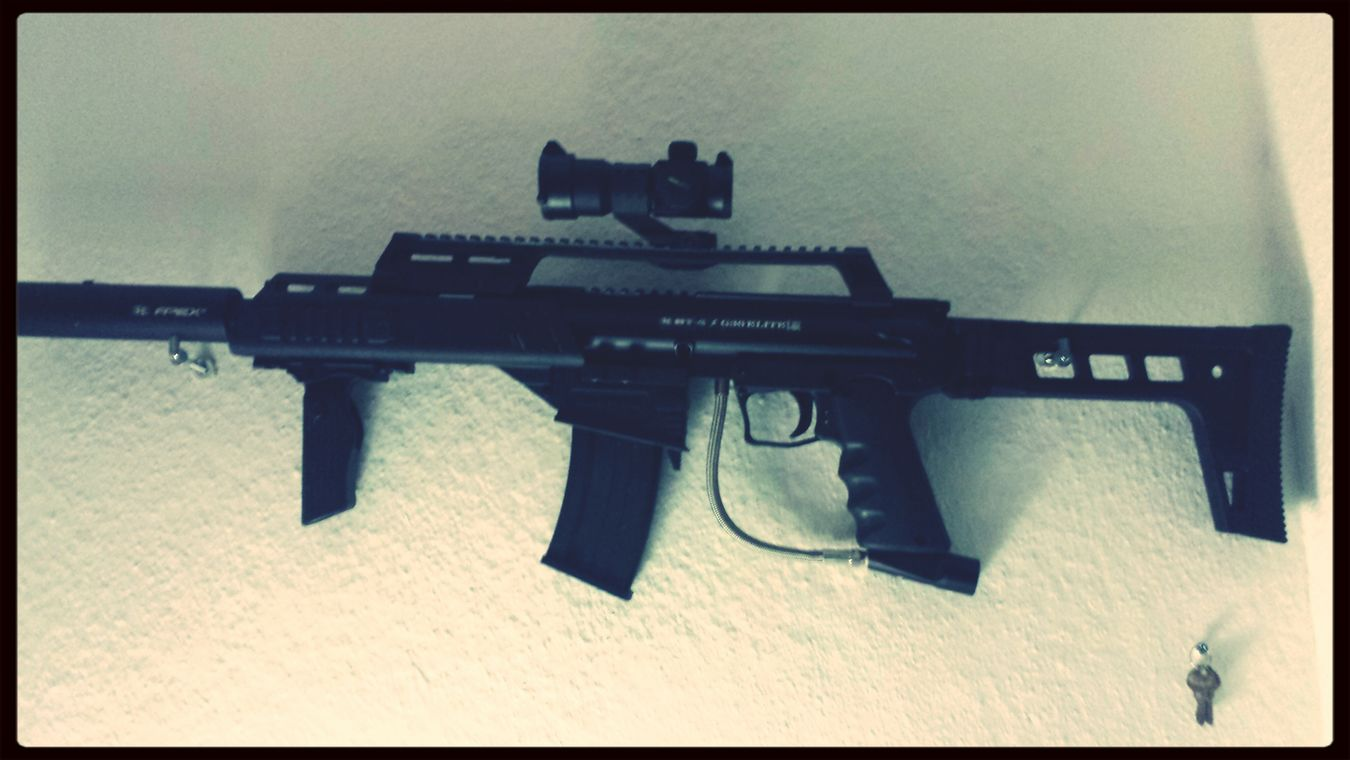 attention, it's not a real weapon! I only use it to playing paintball Paintball G36