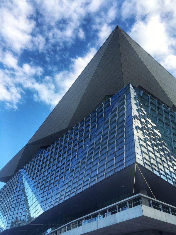 Convention Centre. Sydney Convention Centre Conventioncenter Australia Architecture Architecture_collection Achitexture Texture Exterior Sky Blue Sky Cloud Clouds And Sky Cloudporn