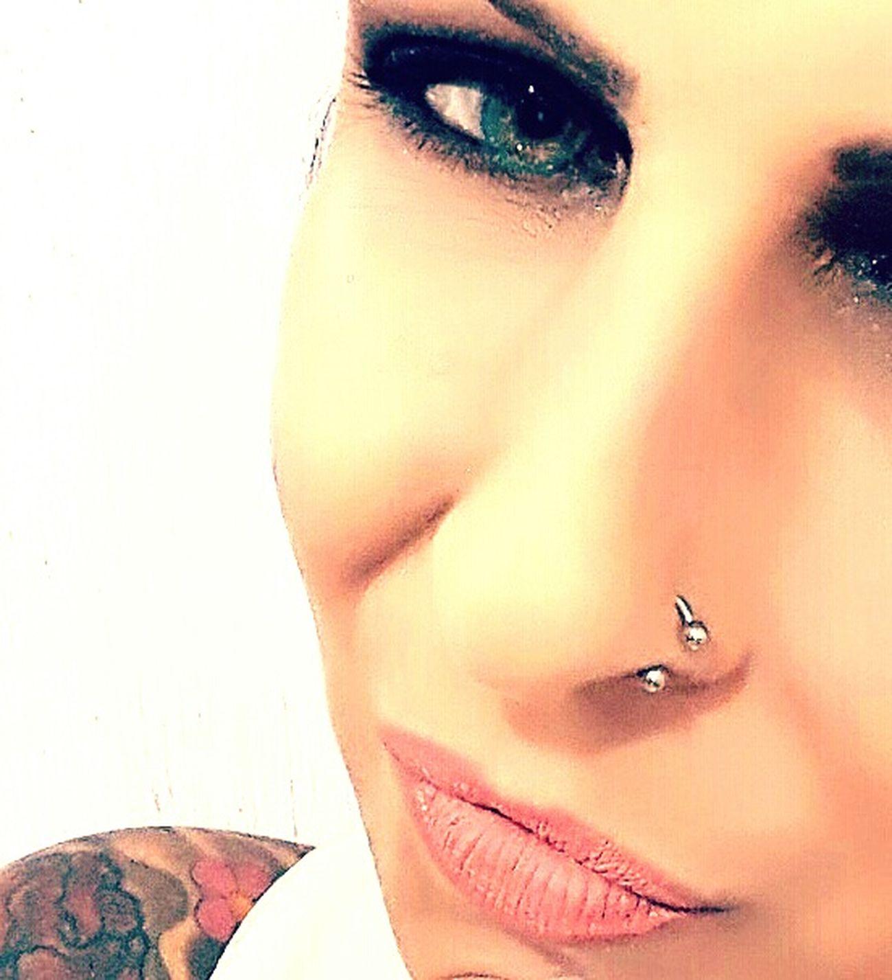 Myface Myeyes Eyegreen Deep Make-up That's Me Outdoors Portrait Rio De Janeiro, Brazil