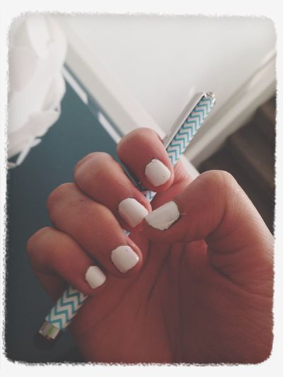 Nails <3 Blue And White Zig-zag Fashion&love&beauty