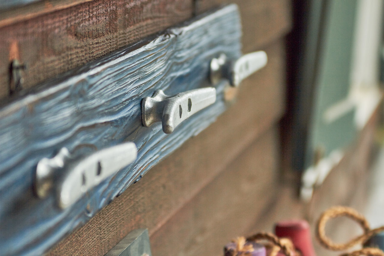 Boat Tie Close-up Cottage Hitch Hook Metal Selective Focus Textured  Wood Wood - Material Wooden