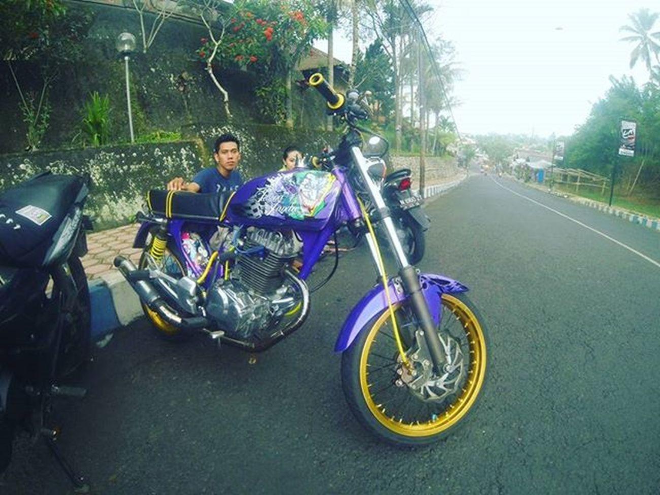 "Hey purple jaga baik"" penunggangmu ya :* CBindonesia Cbracinglook"