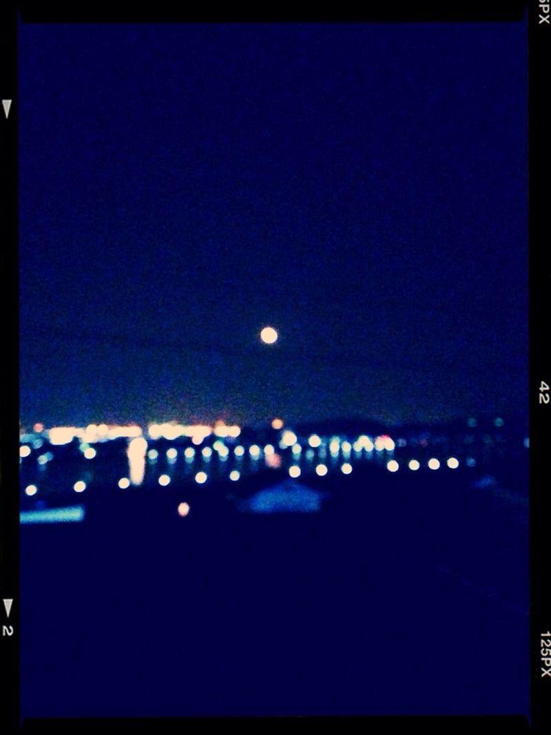 今夜も月がきれい