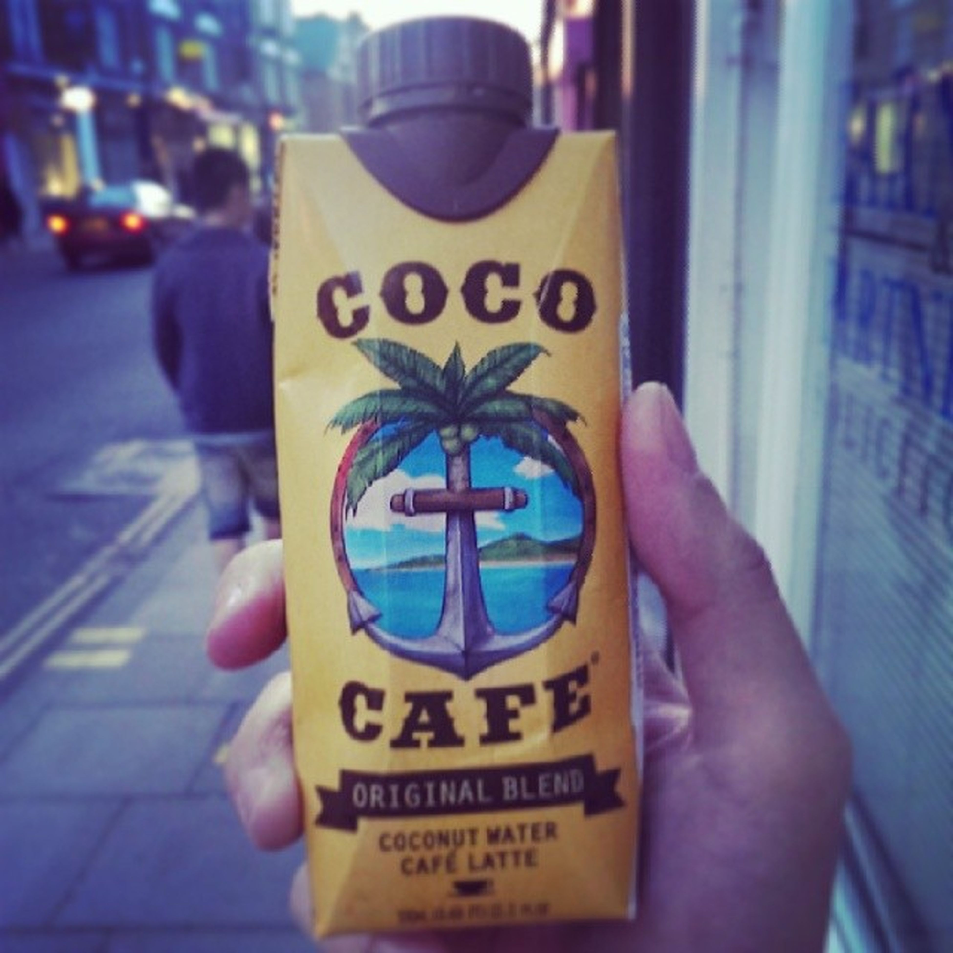 Coconut water & cafe latte... Hydration and caffeine... Shame this does not work. Coffee Experimental Caffèlatte Cocowater Coconut