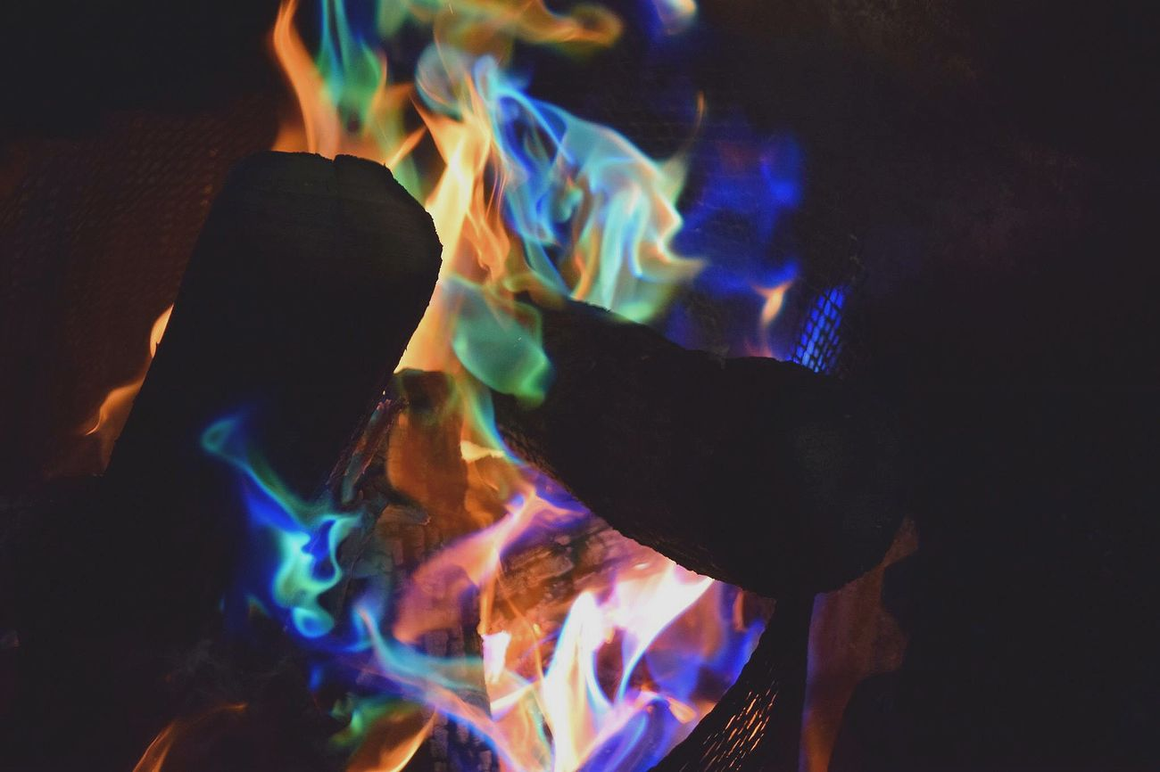 Check This Out Fire Colors Colorful Wood Logs Whenitwascold Relaxing Enjoying Life Hanging Out