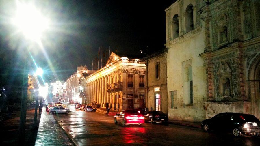 Hernosa ciudad Quetzaltenango Enjoying Life Hello World Streetphoto Light And Shadow Night Lights Arquitetura Colonial Guatemala