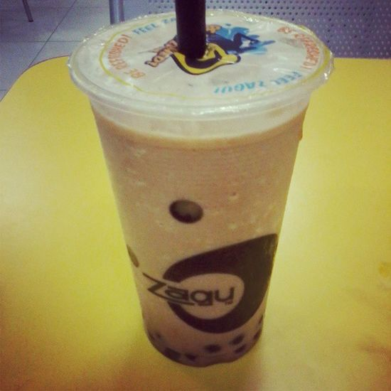 new addition to my favorite drinks! pearl milk tea shake from zagu! yum! Drink Drinks Slurp Pub bar liquor yum yummy thirst thirsty instagood cocktail cocktails drinkup glass can photooftheday beer beers wine