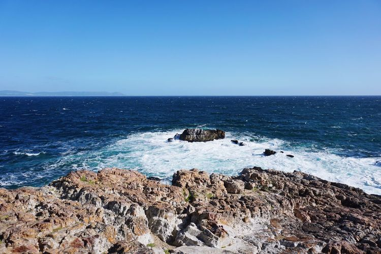 Sea Horizon Over Water Rock - Object Water Clear Sky Nature Beauty In Nature Outdoors Blue Sky Wave Day No People