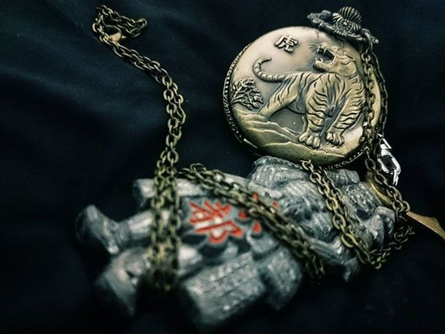 Samurai 🏯 & Tiger 🐯. Jepang 🗾 & Komunis 🔫. Sepet 😑 & Sepet 😑. Instagram Keychaincollection Keychain Tiger Samurai Chinese Japan History Asean Instadaily PhonePhotography Vscocam