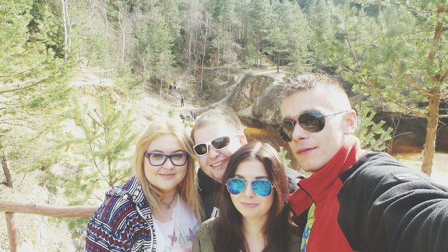 Polishgirls Polishboys Kolorowe Jeziorka Beautiful Place Beautiful Day With Friends Spring