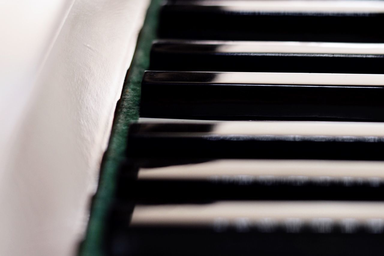 Piano Moments Piano Keyboard Keynote Music Musical Instrument Simplicity EyeEm Gallery EyeEm Best Shots Eye4photography  Blackandwhite Black And White Indoors  Close-up Piano Keys Art Abstract Arts Culture And Entertainment Selective Focus Light And Shadow Full Frame Classical Instrument
