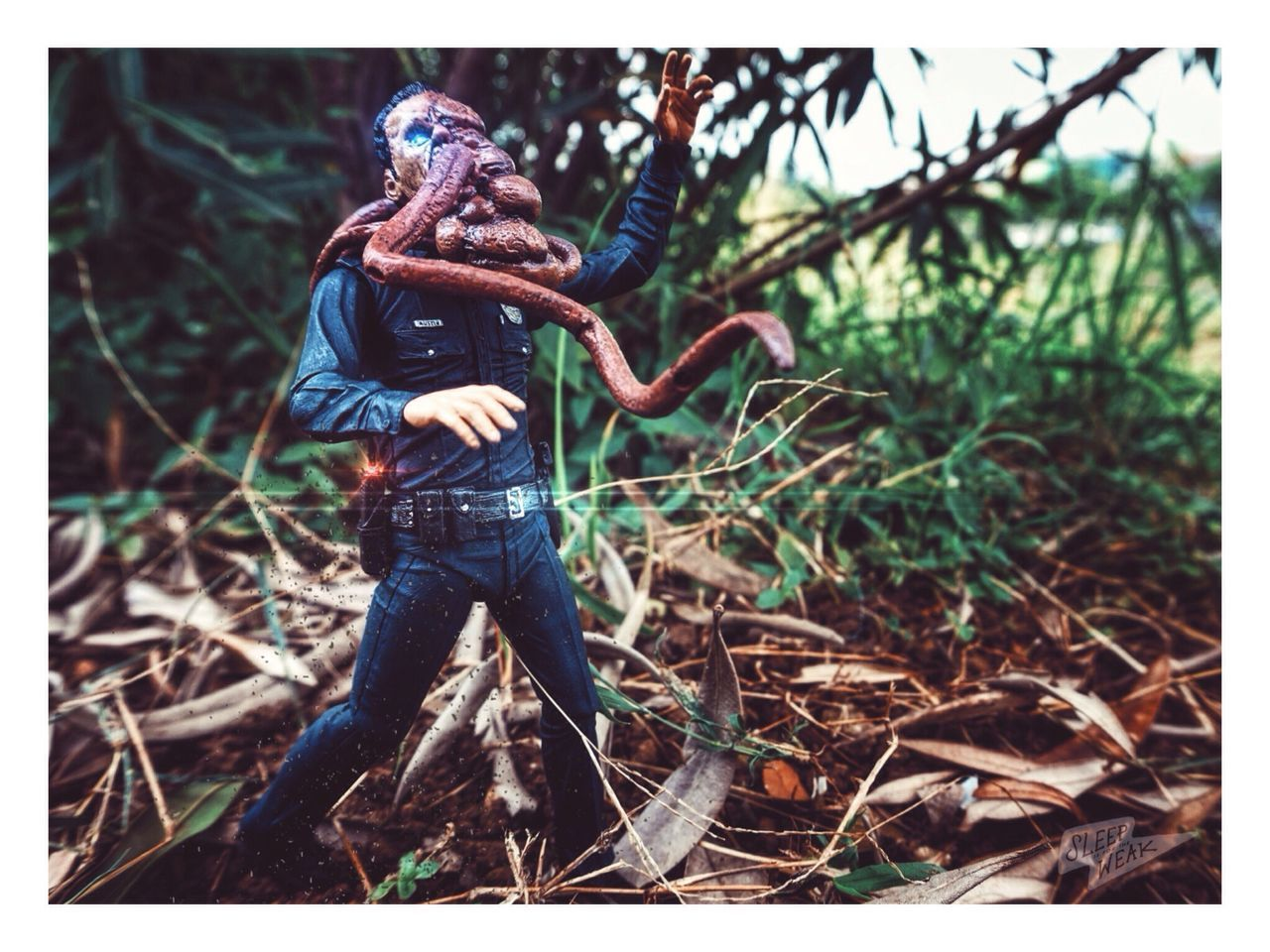 Spreading the disease! 💀 Zombie Toygroup_alliance Toyphotography Epictoyart Toyplanet Toysarehellasick Toycrewbuddies Toysaremydrug Toycommunity Eyeemphotography Toyoutsiders Photography Horror Horror Photography Outside Photography Horrortoyphotography Elitehuntingtoyclub EyeEm Toyphotography