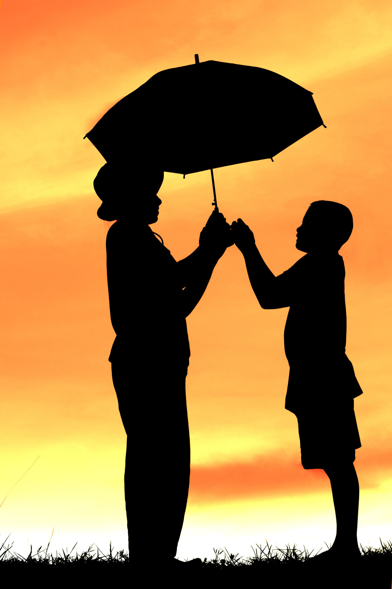 Clear Sky Beuty Children Siluette Mom Kid Asian  Family Family Time Unbrella Sunset Happy Outdoors Travel