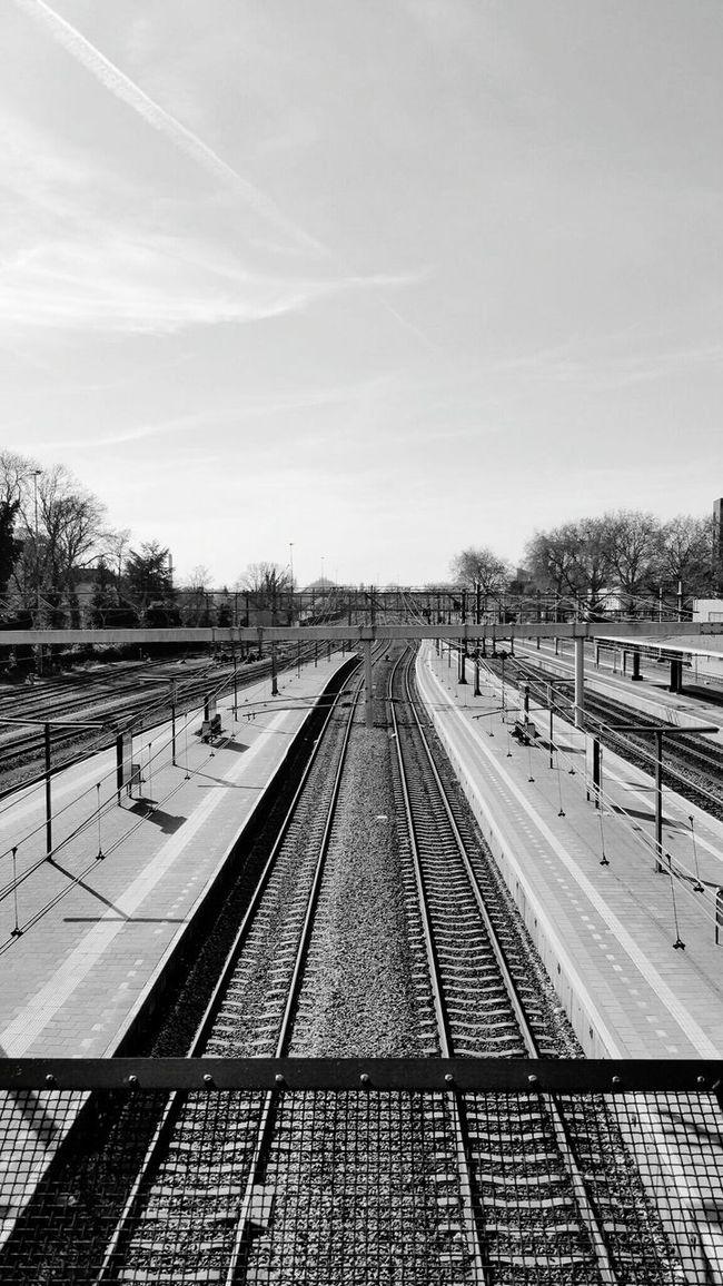 Railroad Station Dordrecht 2016 The Netherlands Taking Photos Enjoying Life May/mei Urbanphotography Zuid Holland Taking Photos Morning Railroad Track Rails TreinStation Ochtend Treinrails My Commute-2016 EyeEm Photography Awards