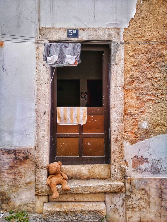Waiting... Door Architecture Window Entrance Building Exterior Built Structure Day No People Doorway Outdoors Bear Teddy Bear Toy EyeEmNewHere Huawey P9 Huawei Photography HuaweiP9Photography Huawei P9 LeicaArchitecture Been There. Huawei P9. HuaweiP9 Huaweiphotography Huawei Shots EyeEm Selects