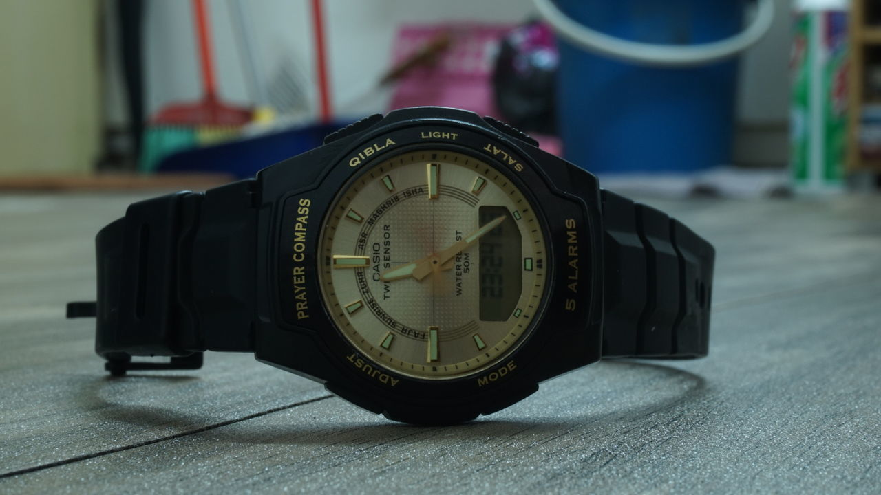(Hour, Minute and Second)Casio Watch Movement Photography Shutterspeed Bokeh Photography 16-50mm Lens EyeEm Best Shots Sony Eye4photography  Close Up Technology QX1 Lieblingsteil