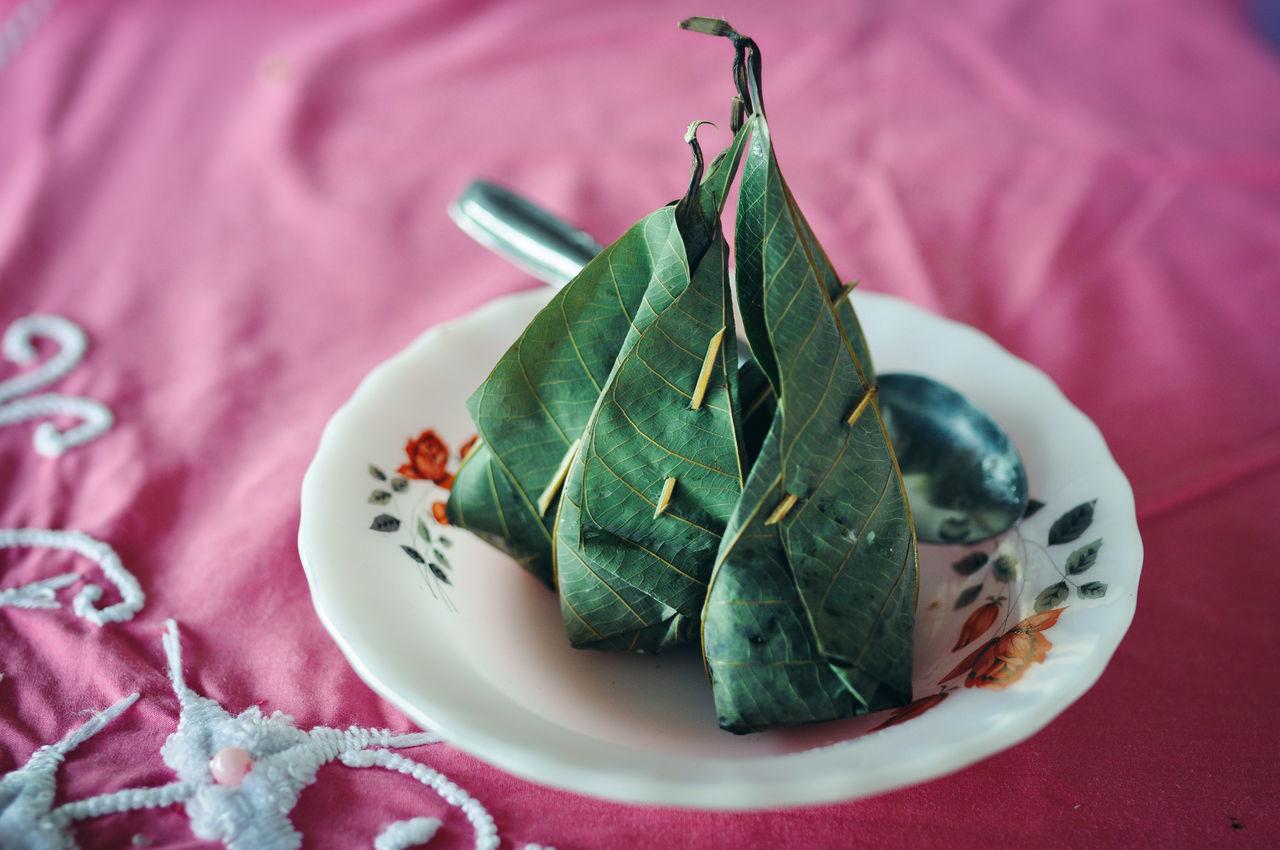 Malaysia Truly Asia Malaysian Food Malaysia Traditional Food Tapai Leaves Rubber Tree Terengganu Fresh on Market 2017 Visual Feast