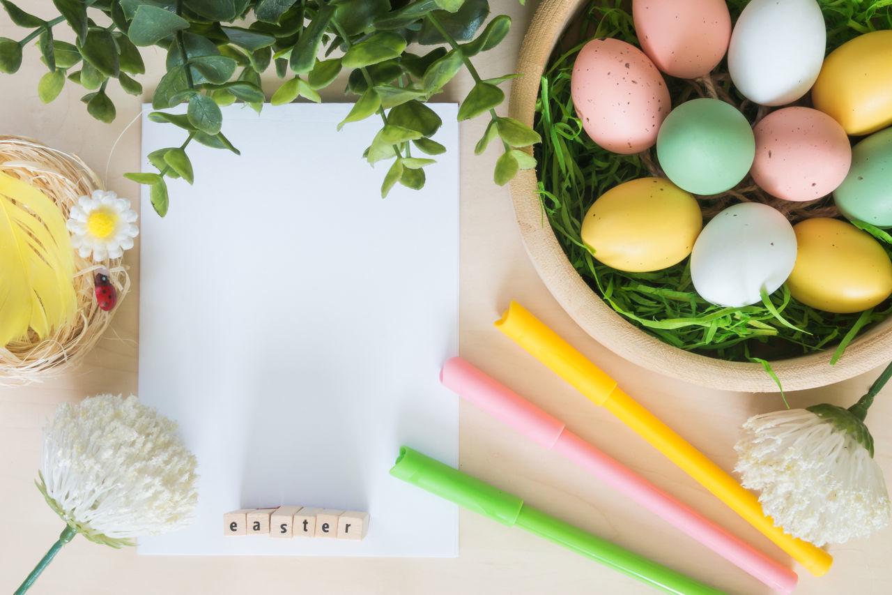 Close-up Day Decoration Easter Easter Eggs Eggs Green Color Holiday Indoors  Leaf Multi Colored Nature No People Postcard Religion Tradition