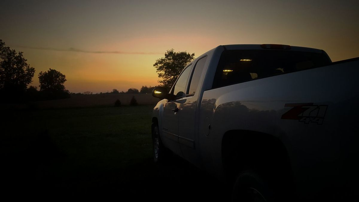 How Country Feels💞 You ever watched the sun go down from the back of a pickup truck? Song Lyrics(song below) Music Brings Us Together Lyrical Madness Something About A Truck My Truck Rural Scene Sunset_collection Outdoors EyeEm Gallery EyeEm Best Shots EyeEm Nature Lover Home Is Where The Art Is Enjoying Life TrucAmerica Coast To Coast Summer Memories 🌄 Sharemylife  Things I Find Beautiful 💜life Is Good EyeEm Masterclass Capture The Moment