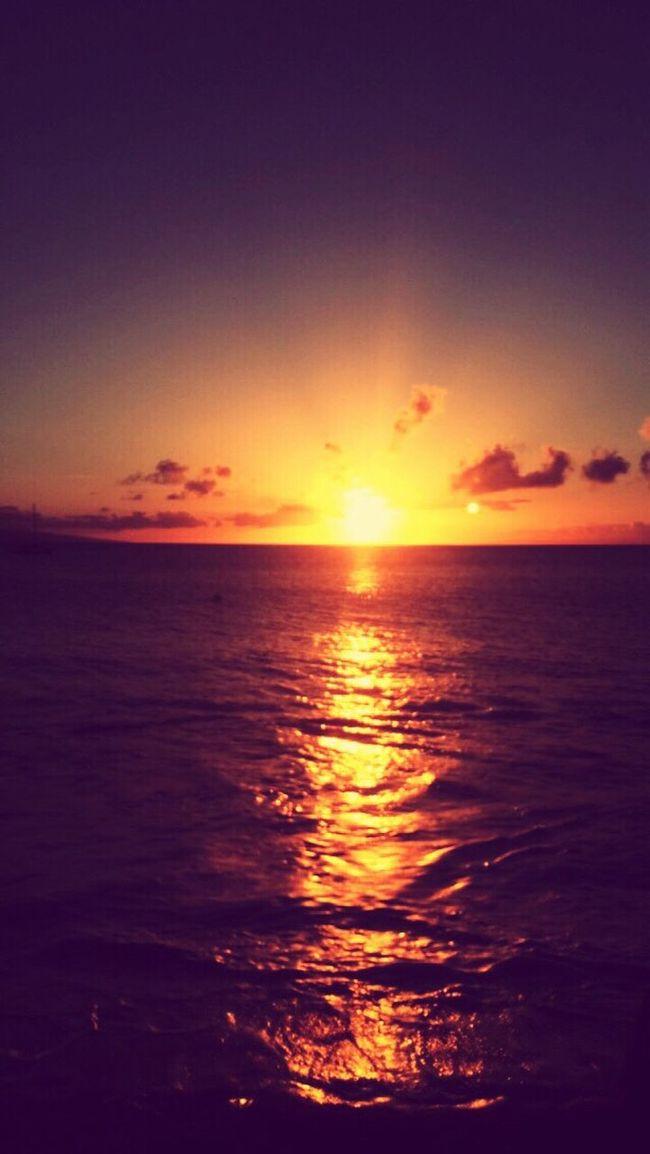 First Eyeem Photo Maui Hawaii Mauiphotography Hawaii Sunset #sun #clouds #skylovers #sky #nature #beautifulinnature #naturalbeauty #photography #landscape Ocean View #ocean