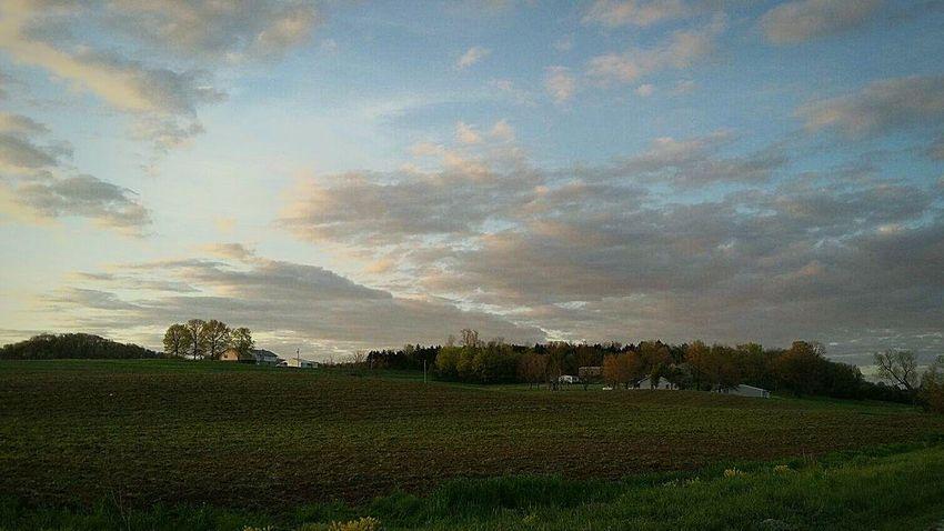 Taking Photos Sunset #sun #clouds #skylovers #sky #nature #beautifulinnature #naturalbeauty #photography #landscape Landscape Sunset Skyline Sky And Clouds Sky And Couds Sunset And Clouds  Sun