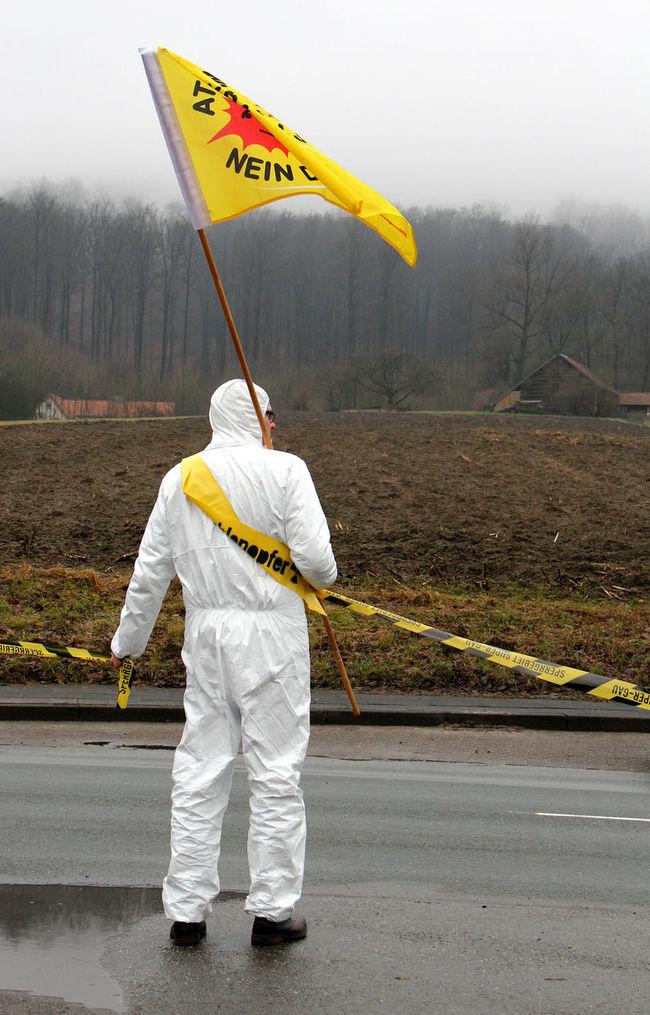 Alone Antiatom Antiatomdemo Atoms For Peace Demo Demonstrant Demonstration Kernkraft Kernkraft 400 Men Nein Danke Outdoors Real People Standing Walking