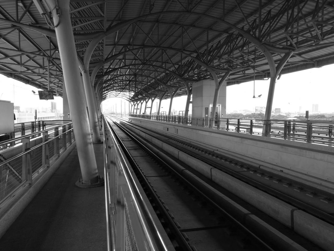 Station Station Platform Platform Train Station Train Tracks Built Structure Architecture The Way Forward Mode Of Transport Journey Transportation Airport Rail Link Express Train Bangkok Thailand Monochrome Huawei HuaweiP9 Leica Leica Lens NoEditNoFilter Noedit Ooc  Sky Train Station