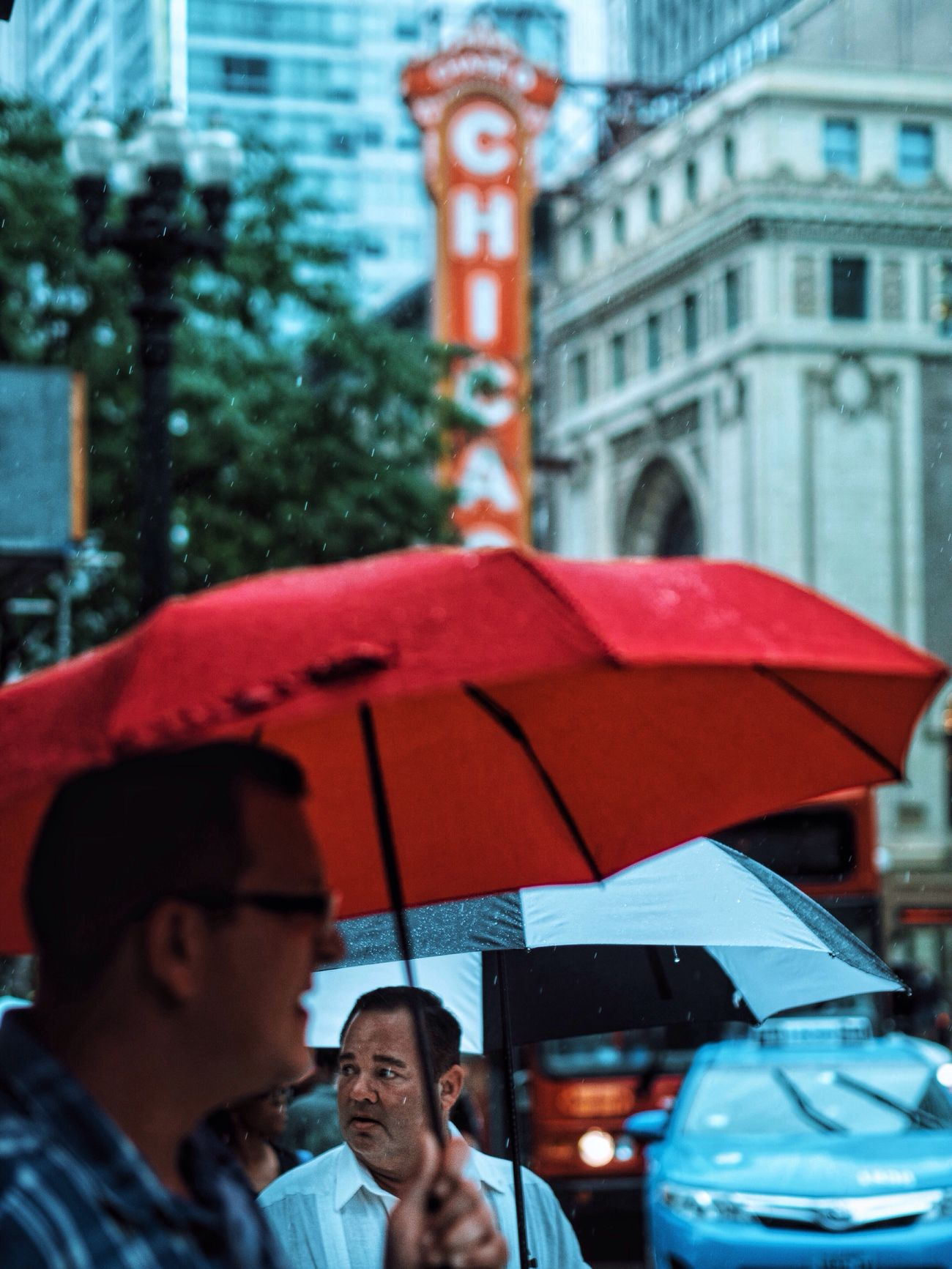EyeEm Best Shots Eyeemphoto Architecture Raindrops Rain Chicago People Capture The Moment VSCO Mood Street Photography Colors Red Umbrella