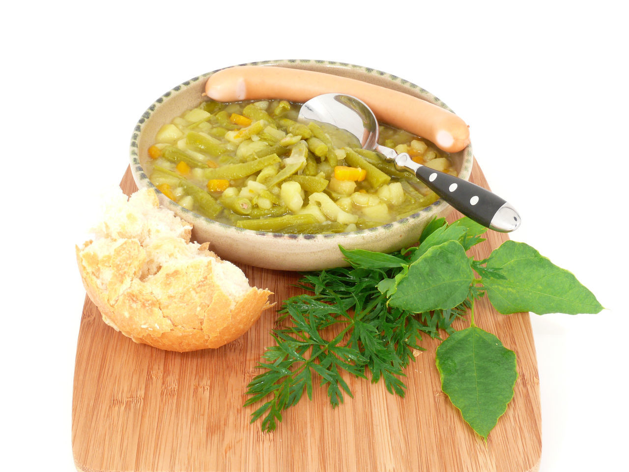 Beans Beansoup Bohneneintopf Bohnensuppe Food Food And Drink Freshness Green Color Hausmacher Healthy Eating Leaf No People Suppe White Background Yellow