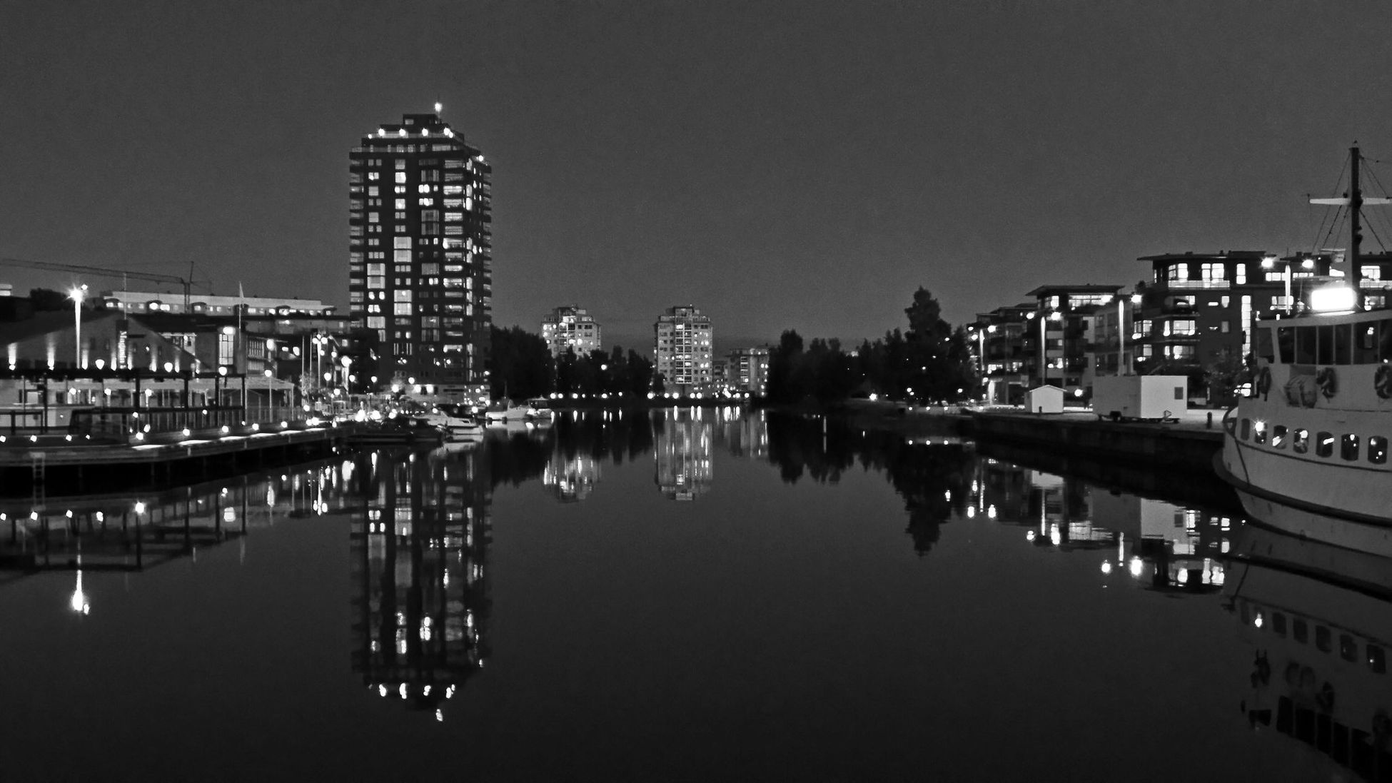 Water Reflections, water, night, light, Blac&white