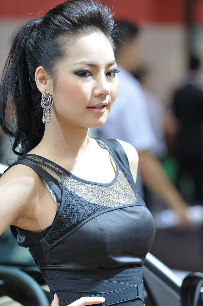 Women Are Crazy Asian  Asian Girls Bangkok Motor Show Beautiful Girl Front View Happiness Lifestyles Pretty Pretty Girl Real People Thai Young Adult