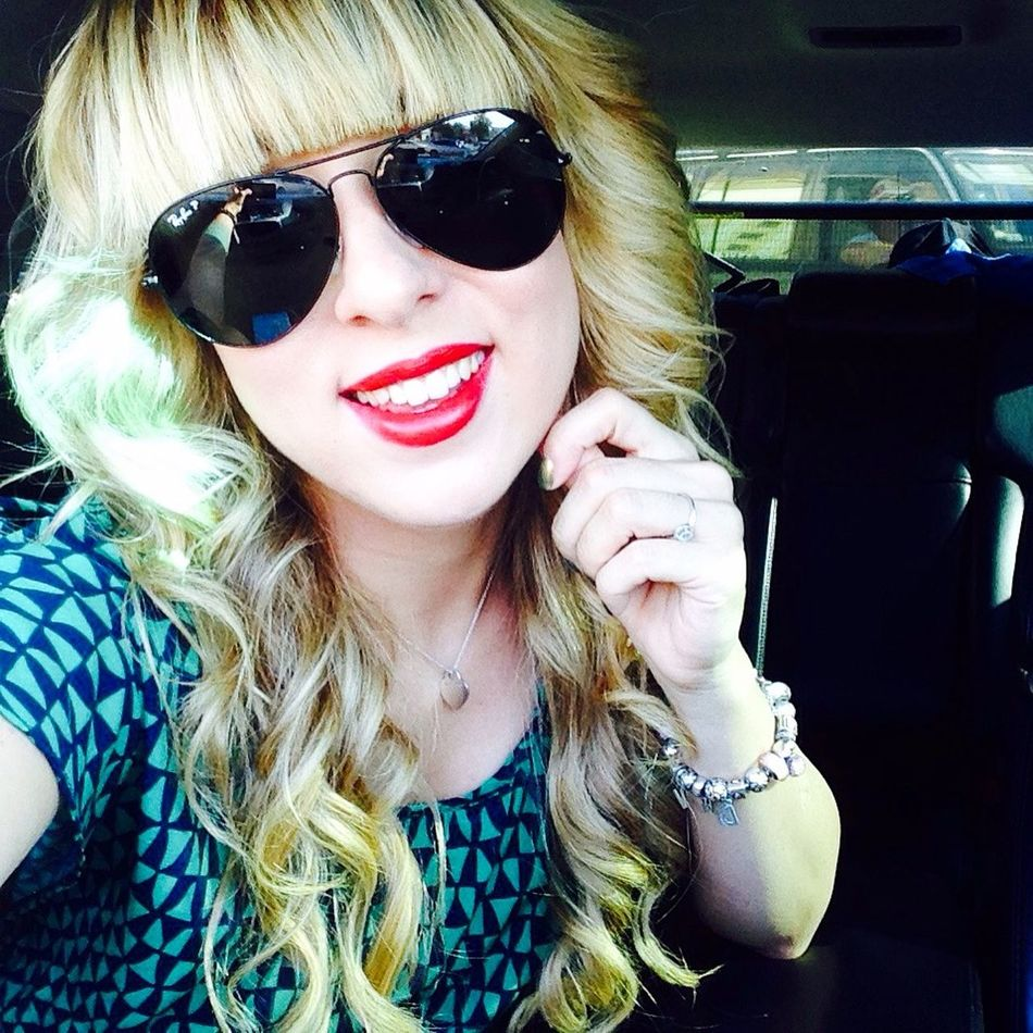 Follow me on instagram @volodina_daria Redlips Happy Smileplease Smile Russian Girl Rayban Sunglasses Goodday