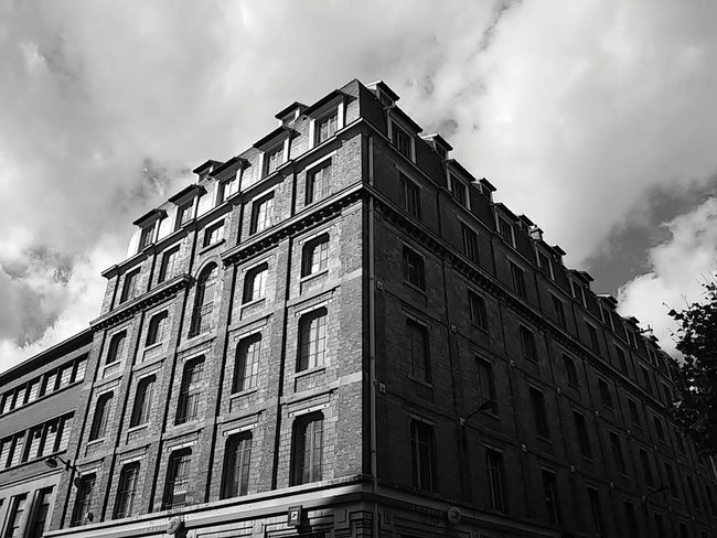 Photowalking Paris Light And Shadow Bw_ Collection Eyeem Philippines Architecture Blackandwhite Geometric Shapes Monochrome Perspectives RePicture Travel Learn & Shoot: Balancing Elements