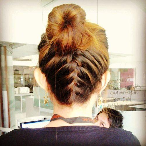 Le hair by KenDxe... Layshoo sa luyooo! Igers Ighairdo Igcapture Igshot Instagram Instahairdo Loveit Upsidedownbraid Followme