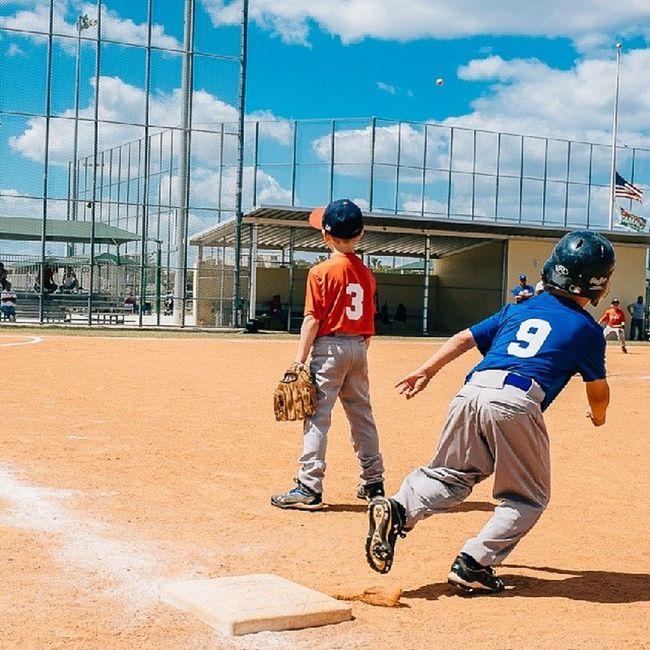 Baseball Pitch Run Firstbase baseball 9