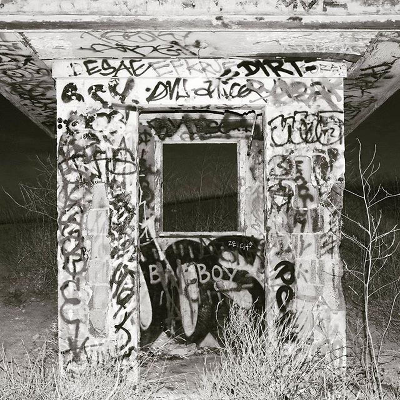 *beauty is in the eye of the beholder* Graffiti Art Graffitiart Vantagepoint Latergram Pentaxk50 Pentax Pentaxcamera Pentaxiansunite Pentaxiansstandup Pentaxagram Blackandwhitephotography