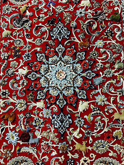 Persian Carpet & Rug Persian Carpet Close-up Persian Carpets Pattern 3D Art Modern Knighting Floral Pattern Red White Color Kashan Rug Autumn🍁🍁🍁 Eye4photography  Close Up Iran♥ National Art Sign Of Nature ArtWork Art And Craft Artistic Carpet Design Art Gallery