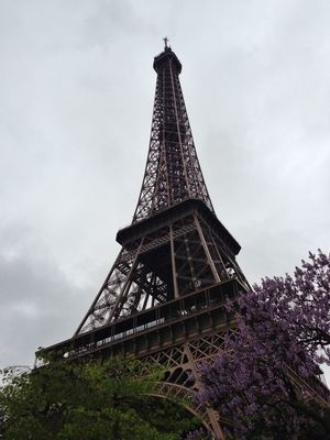 weather report at Tour Eiffel by Lorraine