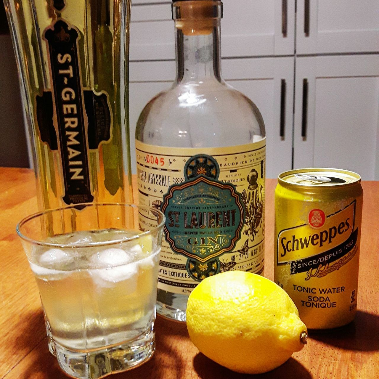 Drink Gin Tonic Gintonic Citron Gintonic Time Tonic St-germain Tonicwater Relaxing Time Relaxing Moments