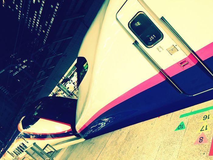 久々に4日間東京に滞在。見慣れた景色に見慣れた人々に和み。そして明日からは東北各地を横断します🚅💨 初めて見た、新型のつばさ号。 Shinkansen SuperExpress Super Express Yamabiko Tsubasa Tokyo Night Hello World Way Home
