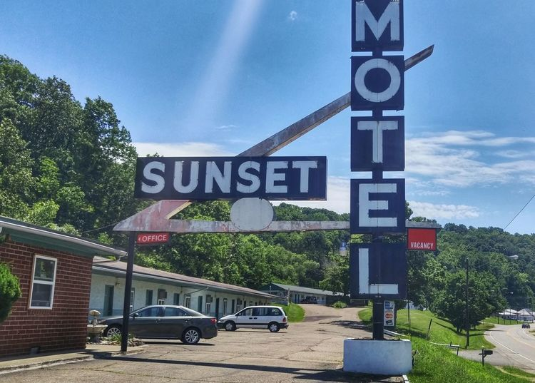 Athens Ohio Hocking Hills Hotel Motel Sign Motel Rural America Rurex Rural Rural Photography Small Town Sign