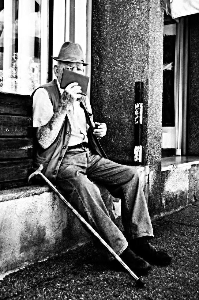 EYES Old But Awesome Myoldphoto Contrast Photography Potrait Potraitphotography Mature Men Streetphotography Streetphoto_bw Streetportrait Blackandwhite Blackandwhite Photography Black And White Collection  Monochrome Photography Front View The Moment EyeEm Best Shots EyeEm Gallery Aosta