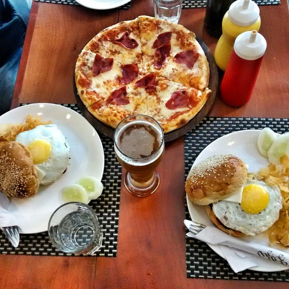 'Living on the edge' Beef burgers after the beef ban. Yum! Thank God for the Northeast and Kerala Sikkim Gangtok Coffeeshop Srcc Beef Beefban Ridiculous Screwyou Eggs Pizza Beer Brunch Delicious