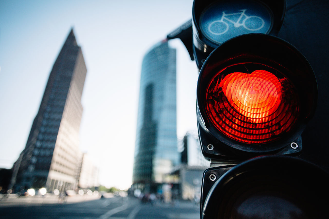 Architecture City City Life Day Illuminated No People Red Red Light Road Sign Sky Stoplight The Architect - 2017 EyeEm Awards The Great Outdoors - 2017 EyeEm Awards Sexy Light Love ♥ Love City Lights Citylove Bicycles Heart Heart ❤ Heartofthecity Berlin Photography Traffic Lights Trafficlight