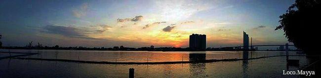 my first Panorama 😋😋😋 Panorama Sunset #sun #clouds #skylovers #sky #nature #beautifulinnature #naturalbeauty Photography Landscape [a:194847] Sky Screnary Sunset Taking Photos Mobile Photography Beginnerphotographer Sky_collection