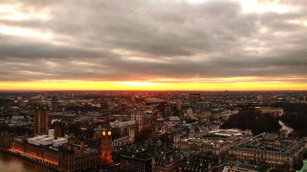 Cityscape Architecture Sunset Dramatic Sky LONDON❤ LondonEye EyeEm EyeEm Gallery Eyem Market The Week Of Eyeem Eyem Eyemmarket
