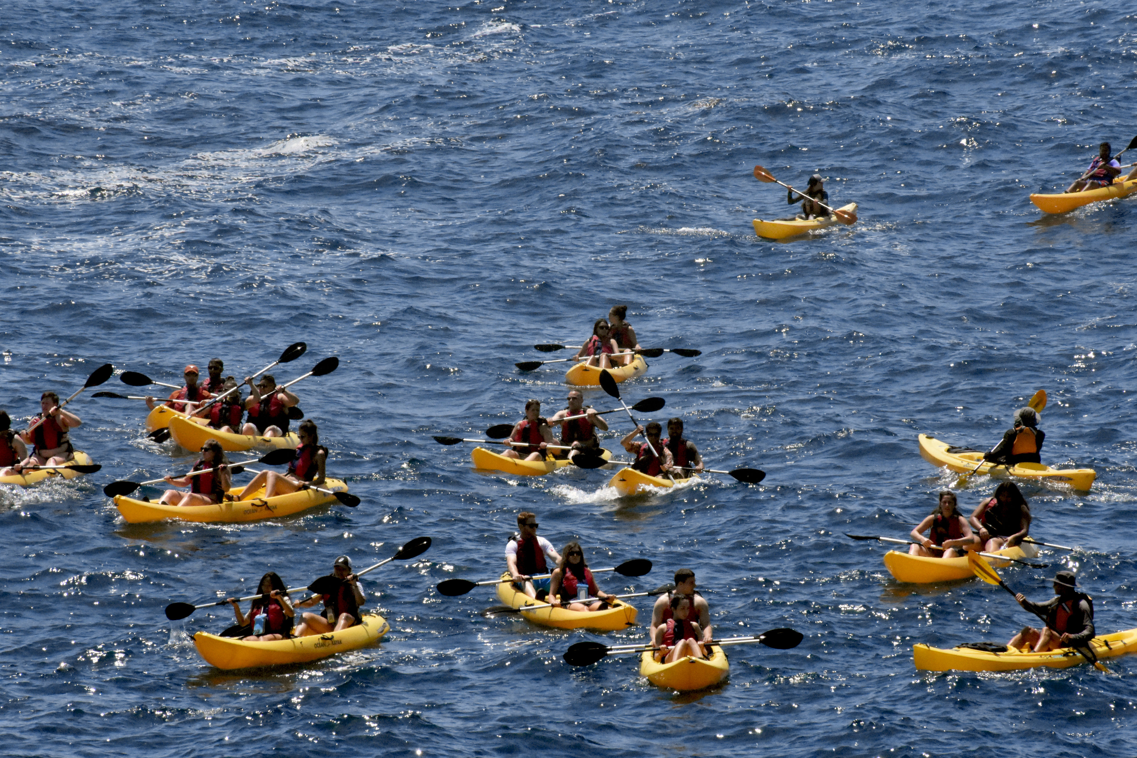 leisure activity, water, large group of people, real people, day, togetherness, men, lifestyles, waterfront, challenge, women, outdoors, rafting, inflatable raft, adventure, nature, food, people