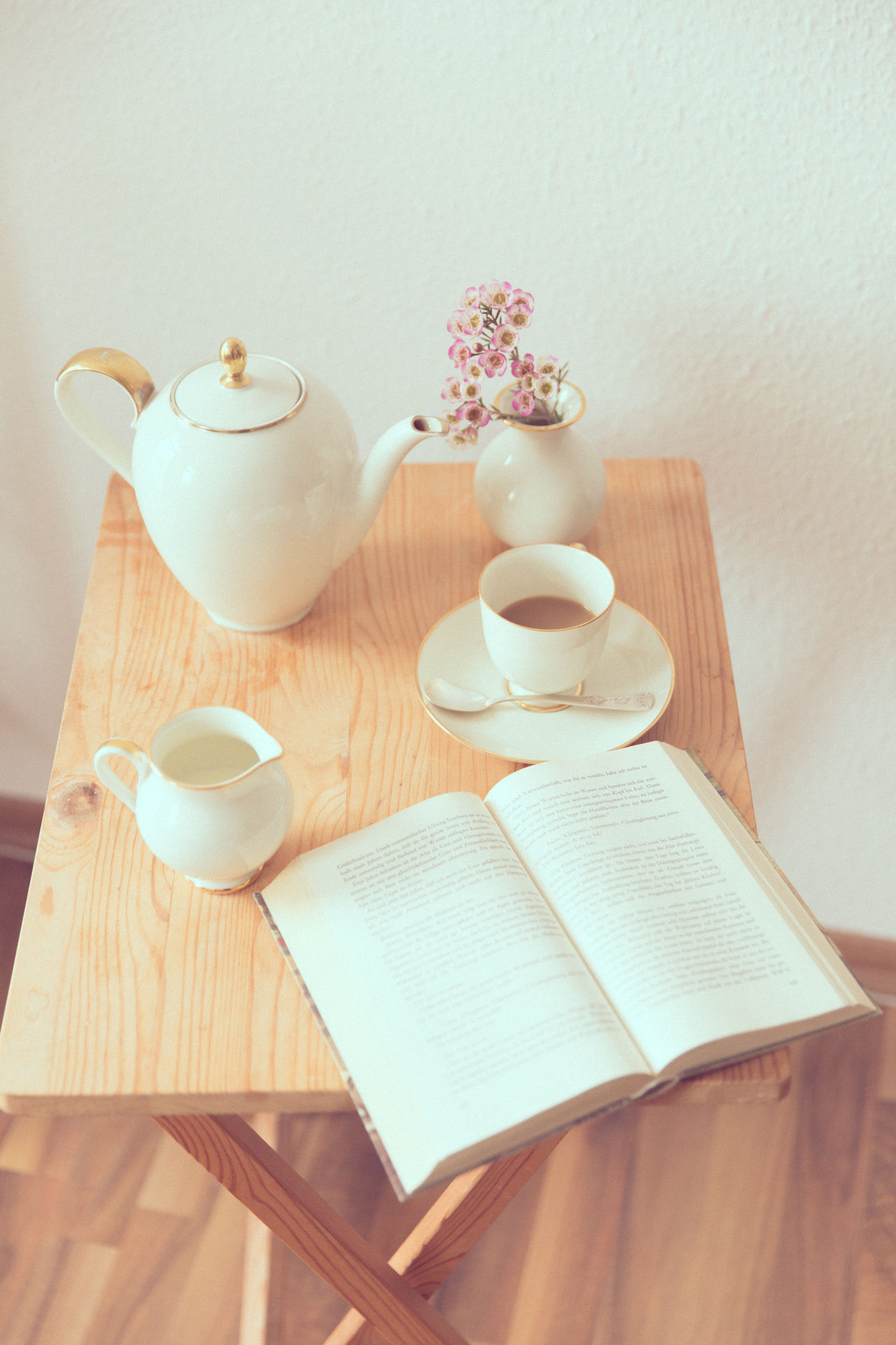 Beautiful stock photos of ostern, Book, Close-Up, Cup, Group Of Objects